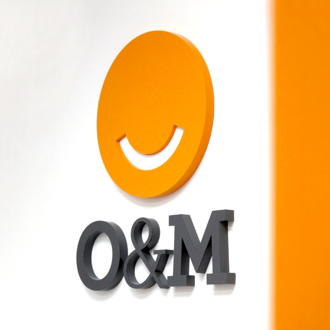 O and M Oral and Maxillofacial Surgeon signage detail
